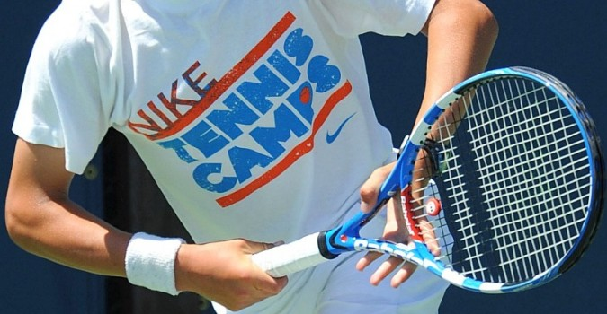 Как держать ракетку в большом теннисе?