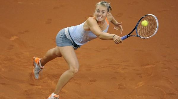 Мария Шарапова проходит в четвертьфинал в Штутгарте