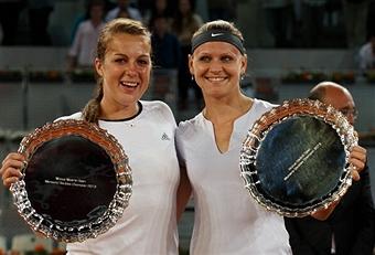 Павлюченкова выиграла турнир в Мадриде в парном разряде