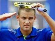 Михаил Южный стал первым полуфиналистом турнира в Гштааде