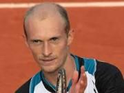 Давыденко проиграл в первом круге турнира в Гамбурге