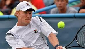 Турсунов уверенно обыграл Кравчука и вышел в четвертьфинал турнира в Санкт-Петербурге