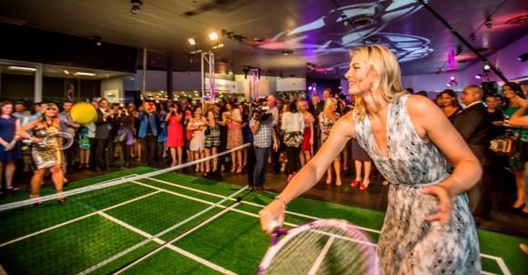 Мария Шарапова сыграла в теннис на шпильках