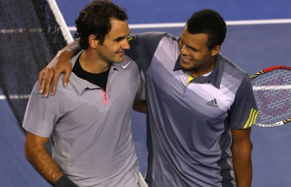 Федерер обыграл Тсонгу в выставочном матче в Мельбурне