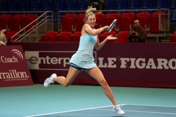 Шарапова сыграет с Павлюченковой в полуфинале турнира WTA в Париже
