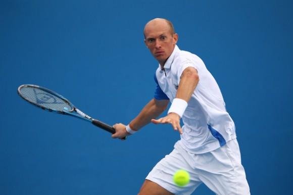 Николай Давыденко выиграл в первом круге на турнире в Мельбурне