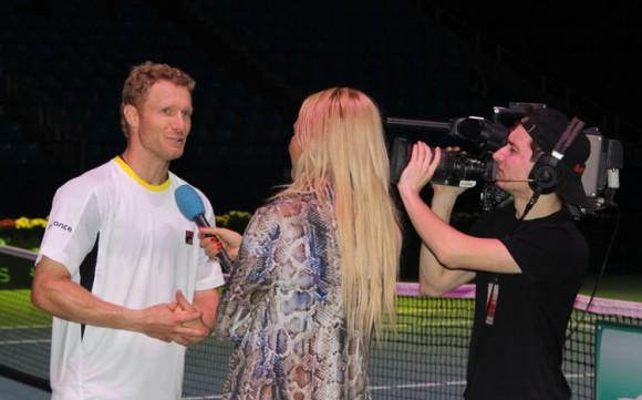 Фото 7Tennis.ru: Дмитрий Турсунов дает интервью после победы