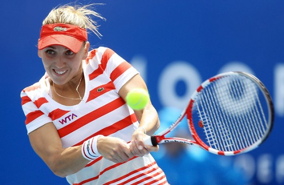 Елена Веснина сыграет с Кандела на турнире WTA в Хобарте