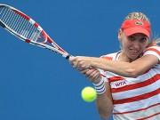 Елена Веснина не доиграла матч на турнире в Хобарте