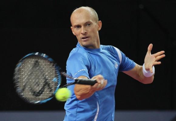 Давыденко проиграл во Франции, Кузнецов выиграл в Загребе