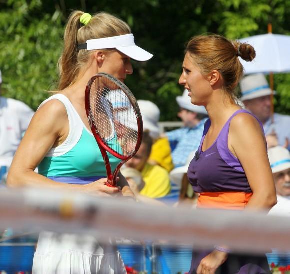 Анастасия Мыскина и Елена Дементьева (слева)