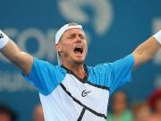 Ллейтон Хьюитт поздравил всех с теннисным Днем