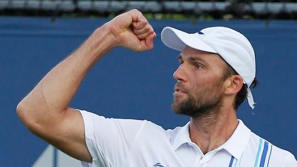 Карлович вышел во второй круг турнира в Майами, где сыграет с Роджером Федерером