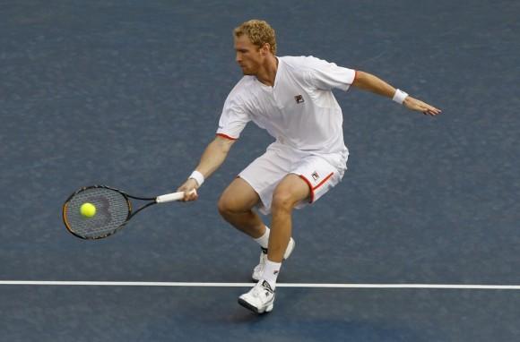 Дмитрий Турсунов на турнире Japan Open 6 октября 2010 года в матче против Ришара Гаске