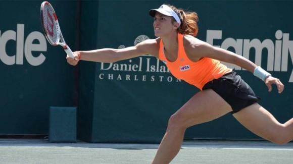 Петкович выиграла свой третий титул на турнире в Чарльстоне
