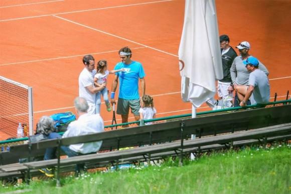 Двойняшки Роджера Федерера поучаствовали в тренировке отца