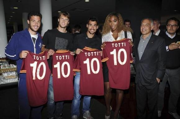 Серена Уильямс, Фоньини и Сеппи посетили футбольный матч в Риме