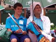 Видео: новый друг Новака Джоковича на Ролан Гаррос