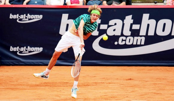 17-летний Александр Зверев на турнире в Гамбурге